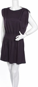 Fioletowa sukienka Unit z krótkim rękawem w stylu casual rozkloszowana