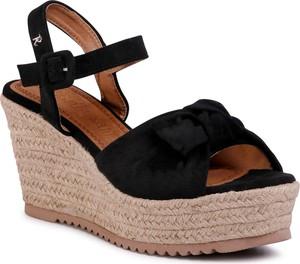 Czarne sandały eobuwie.pl z klamrami z tkaniny