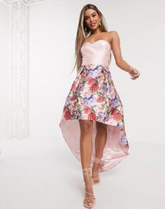 Różowa sukienka Chi Chi London bez rękawów