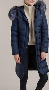 Niebieski płaszcz Kara