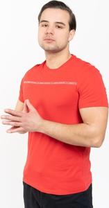Czerwony t-shirt Armani Exchange z krótkim rękawem