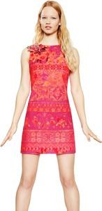 Różowa sukienka Desigual w stylu casual
