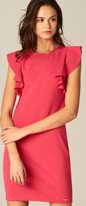 Mohito - sukienka z falbanami na ramionach - różowy
