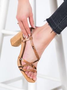 Sandały Czasnabuty z klamrami na słupku