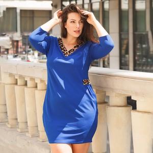 Sukienka Royalfashion.pl w stylu casual z długim rękawem z dekoltem w kształcie litery v