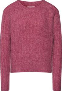 Różowy sweter Pieces z dzianiny w stylu casual