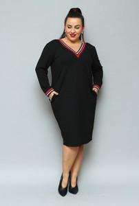Czarna sukienka KARKO z długim rękawem z dekoltem w kształcie litery v midi