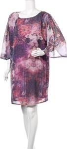 Sukienka Kahyra z okrągłym dekoltem w stylu casual