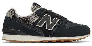 Czarne buty sportowe New Balance sznurowane z zamszu