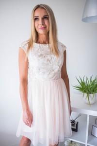 Sukienka Jersa z tiulu