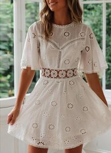 Sukienka Sandbella z okrągłym dekoltem w stylu boho mini