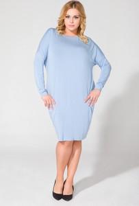 Niebieska sukienka sukienki.pl z okrągłym dekoltem midi