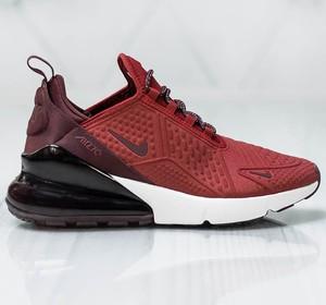 Czerwone buty sportowe Nike w sportowym stylu z płaską podeszwą sznurowane