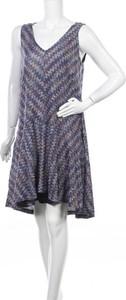 Sukienka Maeve z dekoltem w kształcie litery v