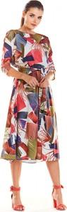 Sukienka Infinite You z długim rękawem midi