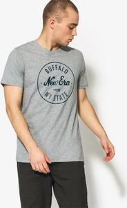 T-shirt new era z krótkim rękawem w młodzieżowym stylu