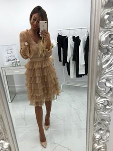 Sukienka chicaca z dekoltem w kształcie litery v
