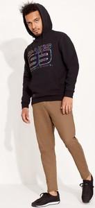 Czarna bluza Diverse z bawełny w młodzieżowym stylu