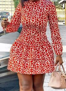Czerwona sukienka Cikelly sportowa z długim rękawem z okrągłym dekoltem