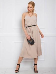 Brązowa sukienka Sheandher.pl na ramiączkach z dekoltem w kształcie litery v