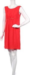 Czerwona sukienka Riu prosta bez rękawów mini