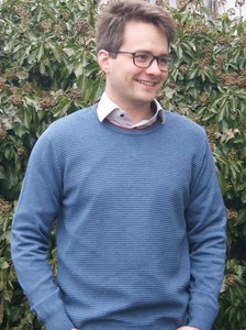 Sweter M. Lasota