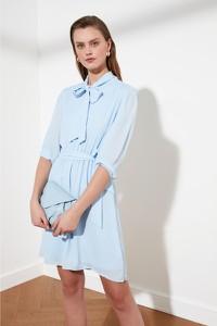 Sukienka Trendyol z kołnierzykiem mini