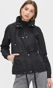 Czarna kurtka Cropp krótka w stylu casual