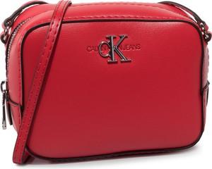 Torebka Calvin Klein średnia na ramię matowa