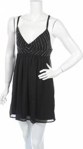 Czarna sukienka About You na ramiączkach mini