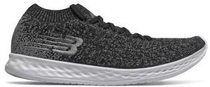Czarne buty sportowe New Balance w sportowym stylu z płaską podeszwą sznurowane