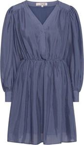 Niebieska sukienka A-view z długim rękawem mini