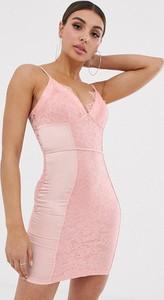 Różowa sukienka NaaNaa z jedwabiu mini