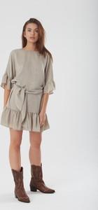 Sukienka NEATNESS mini z satyny