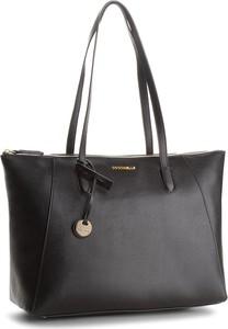 Czarna torebka Coccinelle w stylu casual
