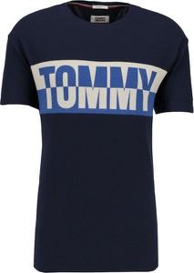 Niebieski t-shirt Tommy Jeans z krótkim rękawem w młodzieżowym stylu