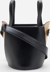 Czarna torebka Reserved średnia do ręki