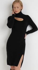 Sukienka born2be w stylu casual midi z długim rękawem