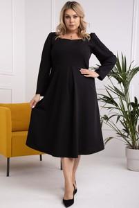 Sukienka KARKO midi dla puszystych z okrągłym dekoltem