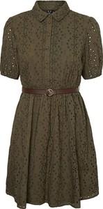 Zielona sukienka Vero Moda z krótkim rękawem z kołnierzykiem z bawełny