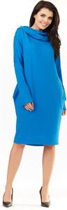 Niebieska sukienka Infinite You z golfem z bawełny