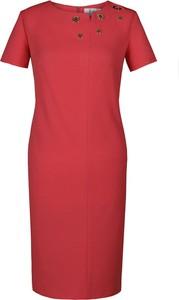 Czerwona sukienka Fokus ołówkowa midi z okrągłym dekoltem
