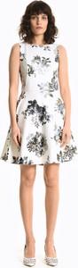 Sukienka Gate mini z okrągłym dekoltem bez rękawów