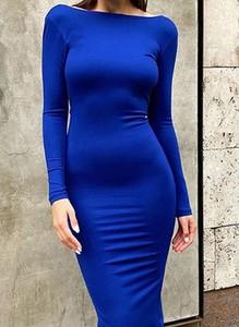 Niebieska sukienka Arilook ołówkowa z okrągłym dekoltem
