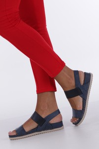 Niebieskie sandały Casu z płaską podeszwą w stylu casual ze skóry ekologicznej
