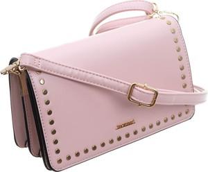 Różowa torebka Monnari mała na ramię matowa