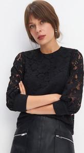 Czarna bluzka Mohito z długim rękawem z okrągłym dekoltem