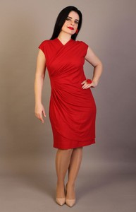 Sukienka Oscar Fashion z dekoltem w kształcie litery v dopasowana