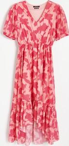 Sukienka Reserved z krótkim rękawem w stylu boho kopertowa