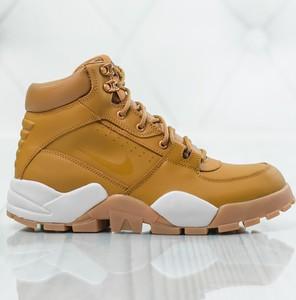 Żółte buty zimowe Nike